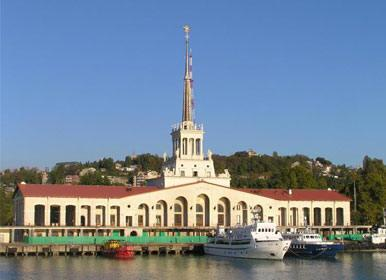 Пассажирские и грузовые линии порта Сочи